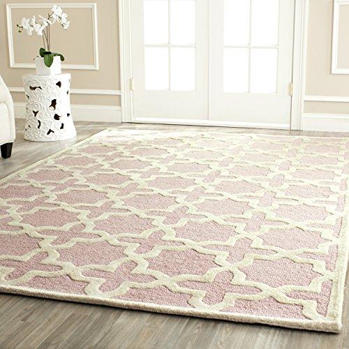 Safavieh Cambridge Collection CAM125M Handmade Moroccan Geometric Light Pink and Ivory Premium Wool Area Rug (6′ x 9′)