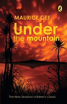 Under The Mountain by [Gee, Maurice]