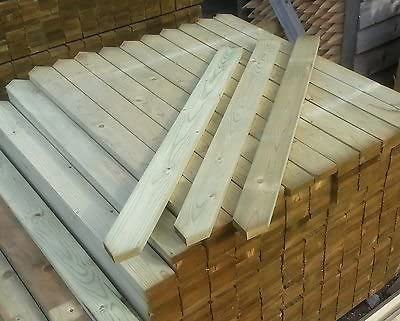 50 Round Top Picket Wood Pales 2ft 600mm High
