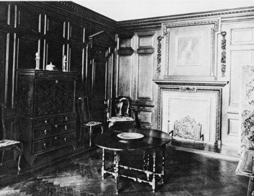 1914 photo Jacobean interior with gate-legged table Vintage Black & White Pho b8 (Table Legged Gate)