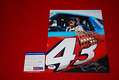 (Richard Petty Autographed Photo - sprint cup THE KING HOF 8X10 1 - PSA/DNA Certified - Autographed NASCAR Photos)