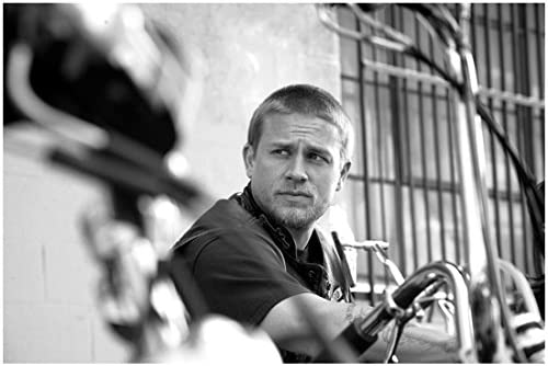 Sons Of Anarchy Charlie Hunnam As Jackson Jax Teller Candid Close Up With Short Hair 8 X 10 Photo At Amazon S Entertainment Collectibles Store
