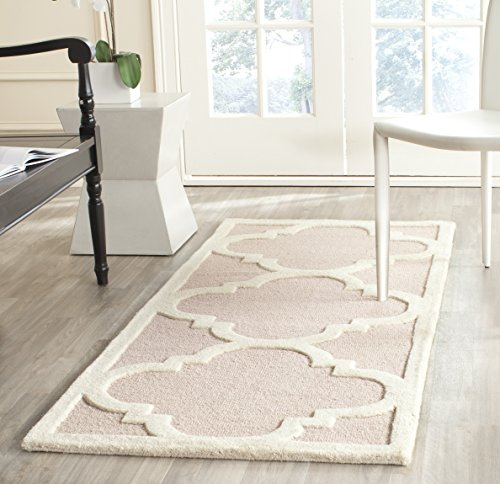 (Safavieh Cambridge Collection CAM140M Handcrafted Moroccan Geometric Light Pink and Ivory Premium Wool Area Rug (2' x 3'))