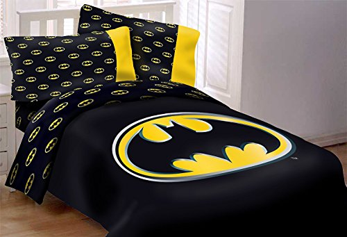 (Batman Emblem 7 Piece Reversible Super Soft Luxury Queen Size Comforter Set W/ Solid Black Bed Sheets)