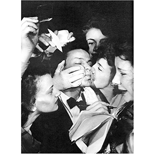 Frank Sinatra 8 Inch x10 Inch Photo New York, New York Anchors Aweigh From Here to Eternity B&W Trying to Sign Autographs While Fans Kiss Him kn