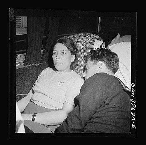 1943 Photo Passengers on a Greyhound bus bound for Chicago, Illinois from Cincinnati, Ohio at two a.m. Location: Middle West