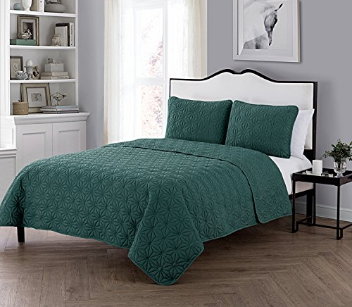 VCNY Home Full/Queen Size Quilt Set in Sea Glass Green Eye-Popping Geometric Pattern 3 Pc Set w/ 2 Shams