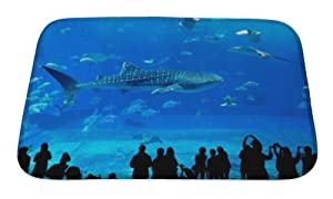 Gear New Bath Rug Mat No Slip Skid Microfiber Soft Plush Absorbent Memory Foam, Whale Shark In Okinawa Churaumi Aquarium, 24x17