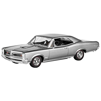 Revell 1/25 Scale 1966 Pontiac GTO Model Kit, Multi: Toys & Games