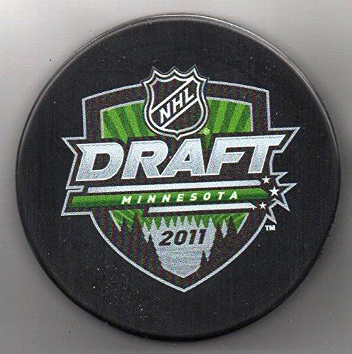 (2011 NHL Entry Draft Minnesota Wild St Paul Xcel Energy Center NHL Hockey Puck + FREE Cube)