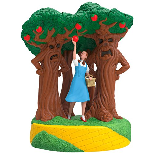 Hallmark Keepsake 2017 THE WIZARD OF OZ A Few Bad Apples Sound Christmas - Ornaments Christmas Tree Apple
