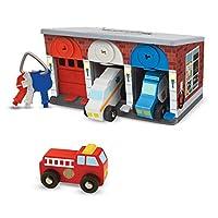 """Melissa & Doug Keys & Cars Rescate de madera, juguete para garaje, vehículos de emergencia, excelente para el desarrollo de habilidades motoras, llaves codificadas por color, 7.75 """"H x 9.75"""" W x 6.25 """"L"""
