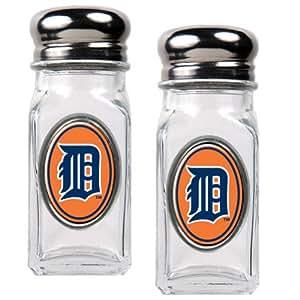 MLB Detroit Tigers Salt and Pepper Shaker Set with Crystal Coat
