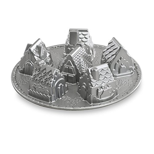 Cozy Village Baking Pan ()