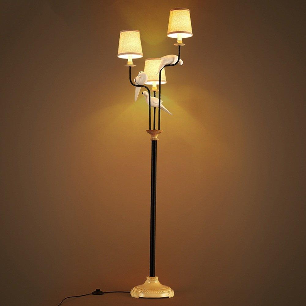 Im europäischen Stil Stehlampe Serie Nordic modernes Vogeltuch Stehleuchte Wohnzimmer Schlafzimmer Studie kreative Stehleuchte Stehleuchte - Retro-Stehlampe