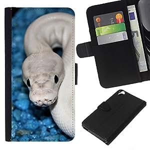 KingStore / Leather Etui en cuir / HTC Desire 820 / Serpiente Azul Blanco cobra blanca Veneno