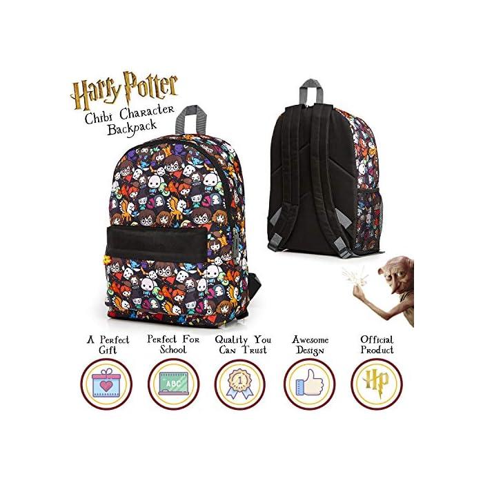 513DbQ39RyL MOCHILA OFICIAL DE HARRY POTTER --- Nuestra mochila escolar para niños y adolescentes presenta a los personajes más populares de la película en un divertido estampado. Podrás encontrar a Dumbledore, Ron Weasley, Hermione Granger, Minerva, Hippogriff, Harry Potter y muchos más. Esta mochila grande también viene con correas ajustables acolchadas para mayor comodidad, un bolsillo lateral de malla elástica, bolsillo frontal con cremallera y un compartimento principal. MOCHILA DE GRAN CAPACIDAD --- Esta mochila de Harry Potter tiene espacio para guardar material escolar o ropa de deporte. Cuenta con un compartimento principal con cremallera, un bolsillo lateral de malla para bebidas, y un pequeño bolso en la parte delantera que pueden usar a modo de estuche escolar. Viene con correas acolchadas ajustables para máxima comodidad, por lo que es perfecta para todas las alturas. HARRY POTTER MERCHANDISING --- Nuestra mochila de Harry Potter tiene licencia oficial, por lo que no se preocupe, cuando compra a través de nosotros está adquiriendo un producto de calidad. Nuestra principal prioridad es siempre la satisfacción de nuestros clientes.