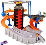 Hot Wheels Construction Zone Chaos Play Set, Multi Color