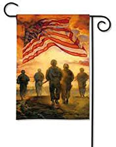 Magnet Works MAIL39675 American Heroes Garden Flag