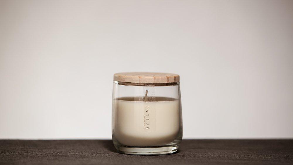 HAKKU Hair Iron Aroma Soy Candle Santal Ambre Scent Medium Clear ELECONCE Soy Candle-Santal Ambre LALENTEUR