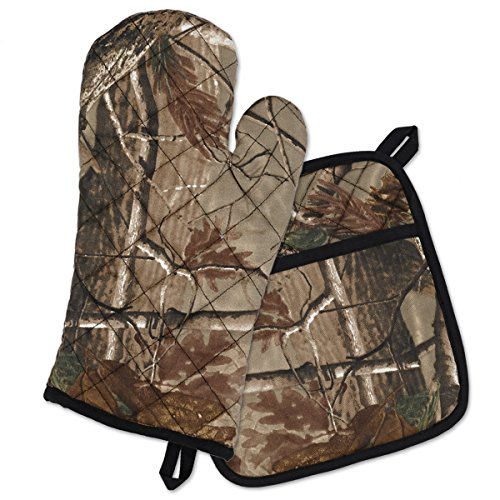 (CC Home Furnishings Decorative Realtree Camouflage Potholder & Oven Mitt Gift Set)