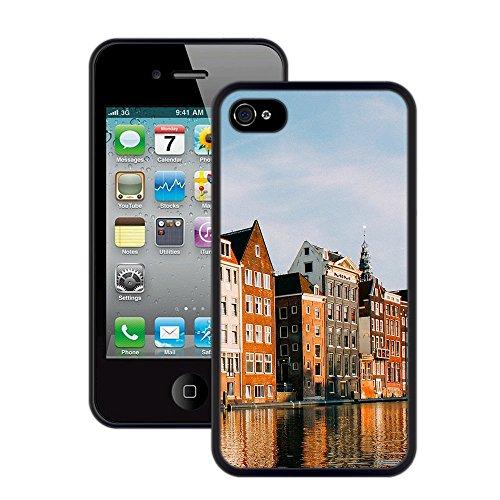 Gebäude am Wasser | Handgefertigt | iPhone 4 4s | Schwarze Hülle