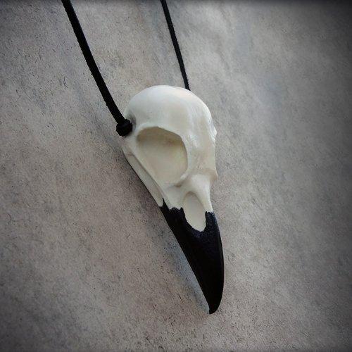 Raven Bird Skull Necklace Cast Resin - Bird Skull Crow Gothic Taxidermy Corvid Gothic Fashion Jewelry (Bird Skull)