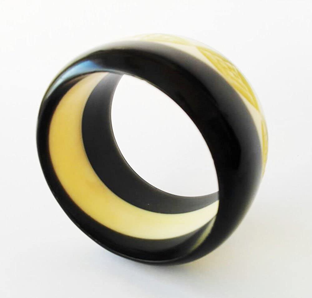 1.80 thickness Cafe Bracelet ornaments Rombos like bone 2.6 Diameter Beige