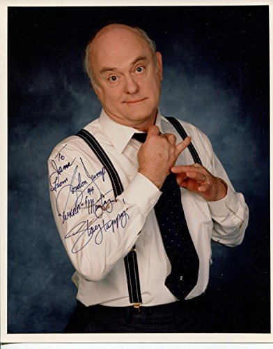 (Gordon Jump WKRP In Cincinnati Planet of the Apes Soap Signed Autograph Photo)