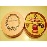 ラデュレ LADUREE キーチャーム ピンク 楕円形ボックス