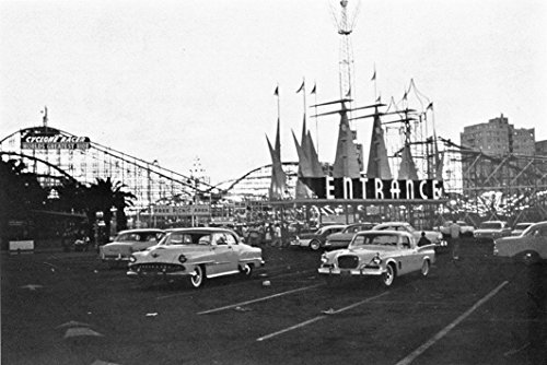 Home Comforts View The Entrance The Pike Amusement Park in Long Beach, California (USA), in ()