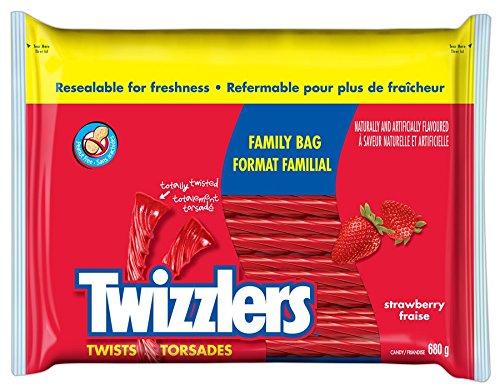 twizzlers-strawberry-twists-family-bag-680gm