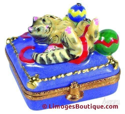 Christmas Kitty - French Limoges Boxes - Porcelain Figurines Collectible Gifts