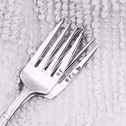 - Mr and Mrs wedding cake forks