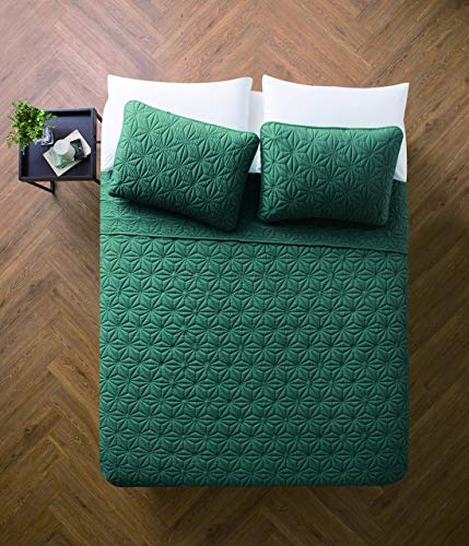 VCNY Home Full/Queen Size Quilt Set in Sea Glass Green Eye-Popping Geometric Pattern 3 Pc Set w/ 2 Shams (Renewed)