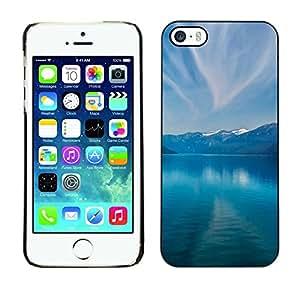 // PHONE CASE GIFT // Duro Estuche protector PC Cáscara Plástico Carcasa Funda Hard Protective Case for iPhone 5 / 5S / Montañas y lago /