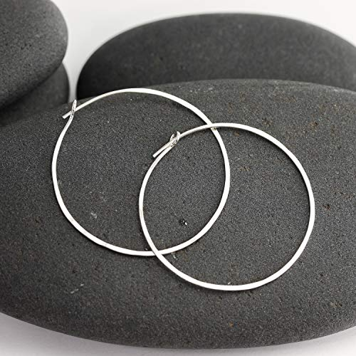 (Hammered Silver Round Hoop Earrings )