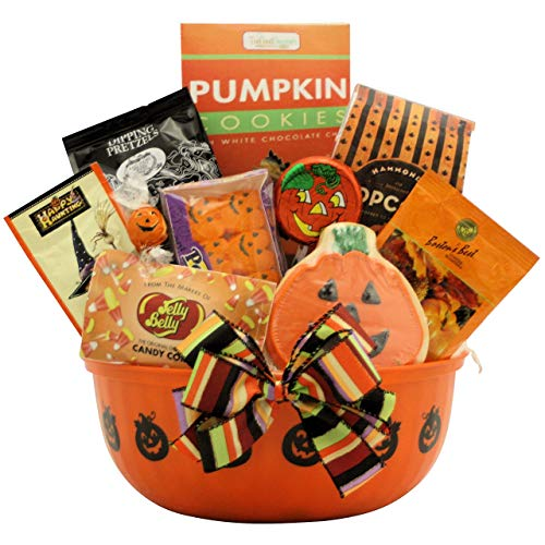 GreatArrivals Hauntingly Delicious Gourmet Halloween Gift Basket, 4 Pound