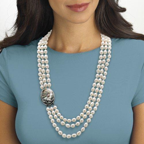 Angelina D'Andrea - Collier avec camée en nacre noire - perles de culture d'eau douce - trois rangs