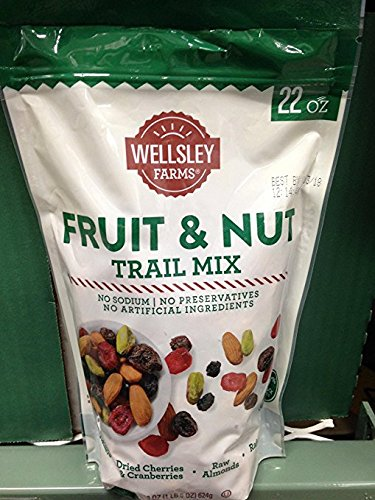 Wellsley Farms fruit & nut trail mix 22 oz (pack of 2)