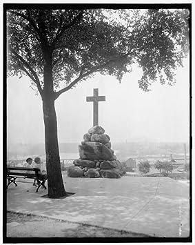 Foto: John Smith Memorial, cruces, Monumentos, Gamble Hill ...
