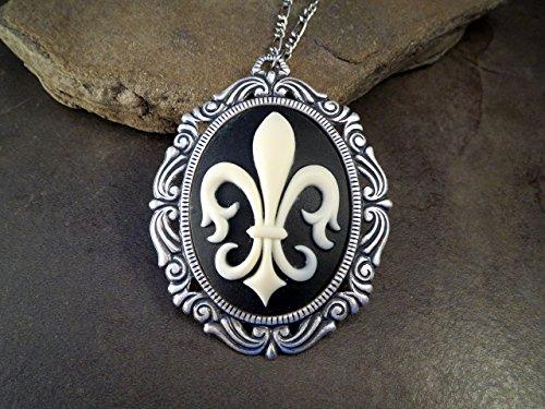 De Lis Fleur Cameo (Handmade Oxidized Silver Victorian Fleur De Lis Cameo Necklace)