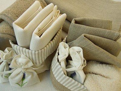 Cesta-de-algodn-y-lino-en-colores-blanco-y-beige-modelo-Lara