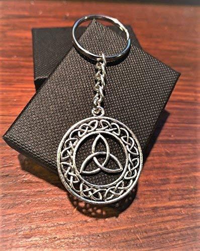 Handmade Silver Celtic Triquetra Knotwork Circle Keyring/Handbag Charm