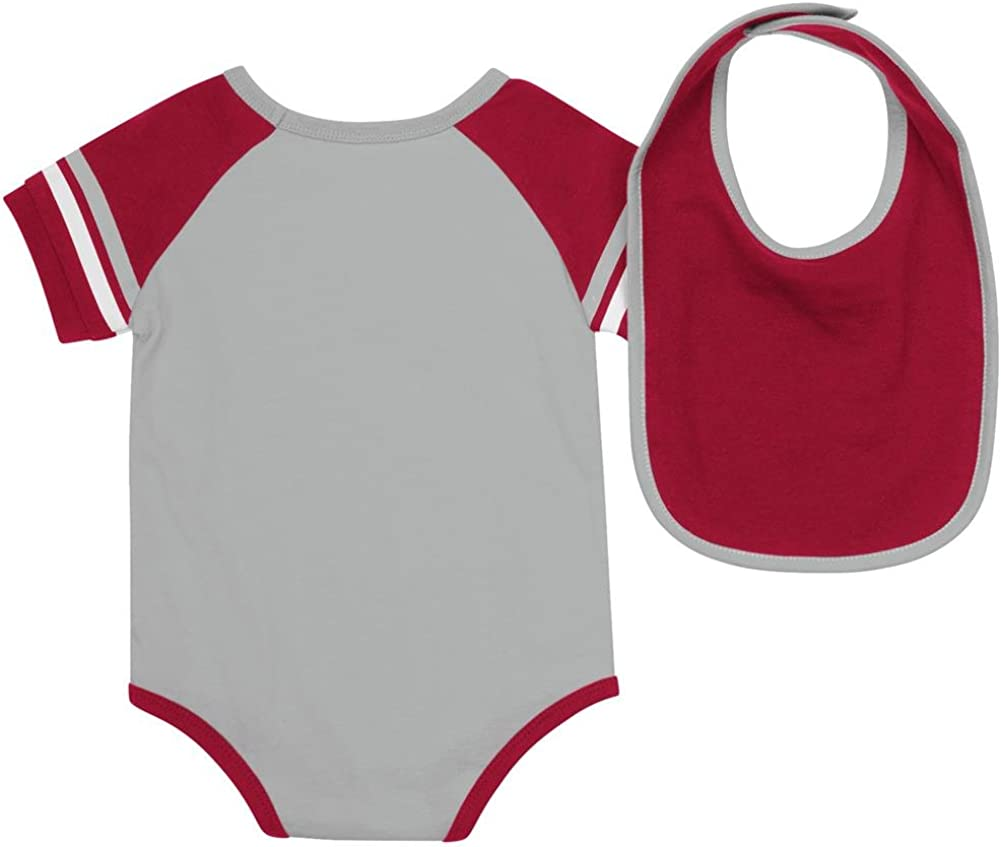 Colosseum Infant Alabama Crimson Tide Grey Roll Out Onesie and Bib Set