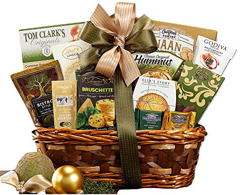 (Remarkable Gift Co. Sweet and Savory Collection Favorite Gift Basket With Cookies, Crackers, Chocolate and More)