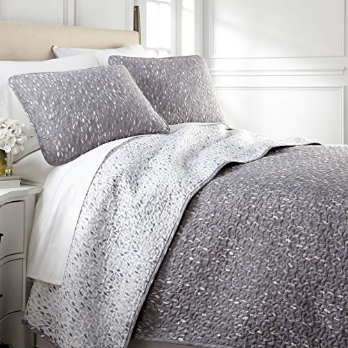 Southshore Fine Living, Inc. Botanical Leaves Collection – Oversized Reversable Quilt Set, Full/Queen, Grey