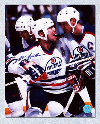 Mark Messier Edmonton Oilers Autographed Celebrating with Gretzky 8x10 (Mark Messier Autographed Photo)