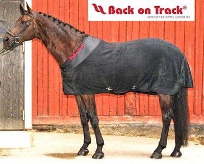 Back on Track Therapeutic Fleece Blanket 84 Black