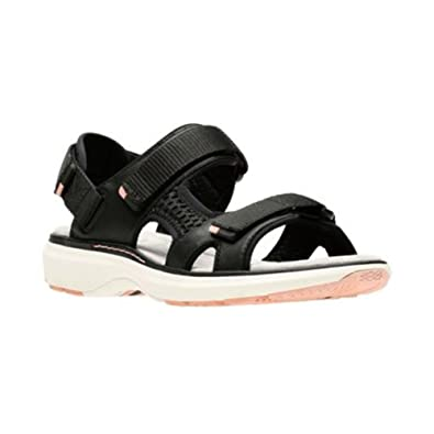 b7a5a846128a CLARKS Women s Un Roam Step Black Leather 5 ...